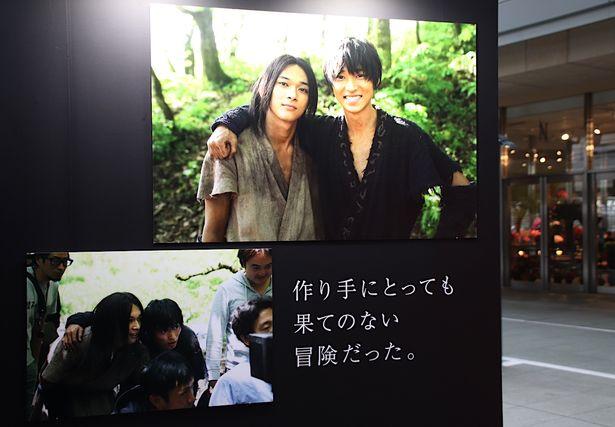 映画『キングダム』写真展「shot on α(ショット オン アルファ)」に潜入!