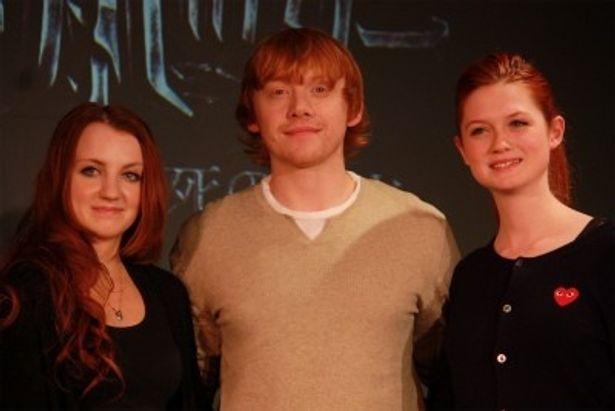 『ハリー・ポッターと死の秘宝 PART1』で、左から、ルーナ、ロン、ジニーが来日