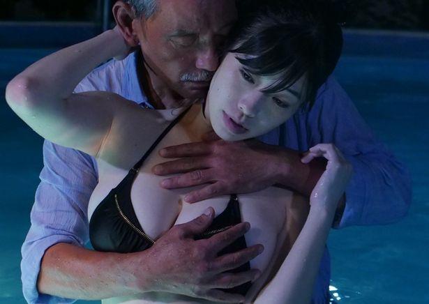 Iカップのバストをこれでもかというぐらい見せつけるヒロイン役の小田飛鳥(『焦燥』)