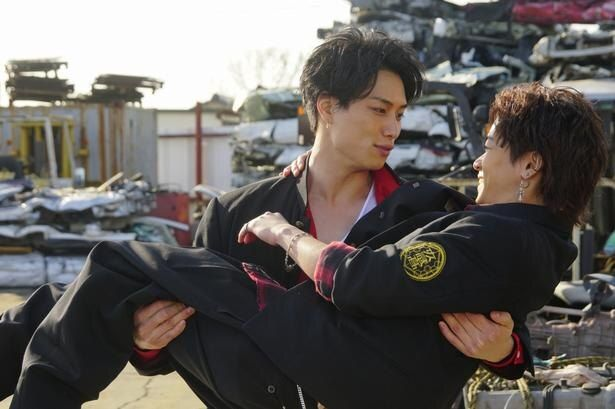 「Team京極兄弟」として、鈴木伸之と川村壱馬が息の合ったコンビネーションを見せる