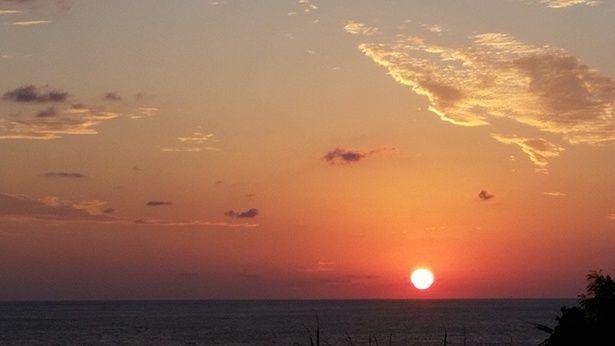 北大東村展望台から見える夕日が美しい…