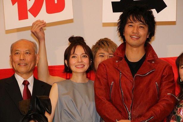 斎藤工主演映画『麻雀放浪記2020』の初日舞台挨拶が開催