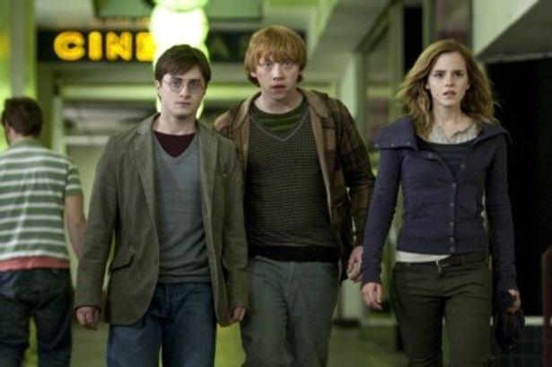 正月映画の主役である『ハリー・ポッターと死の秘宝 PART1』は大ヒット公開中