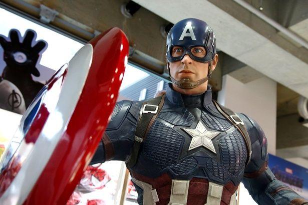 キャプテン・アメリカは凛々しさまで完全再現!