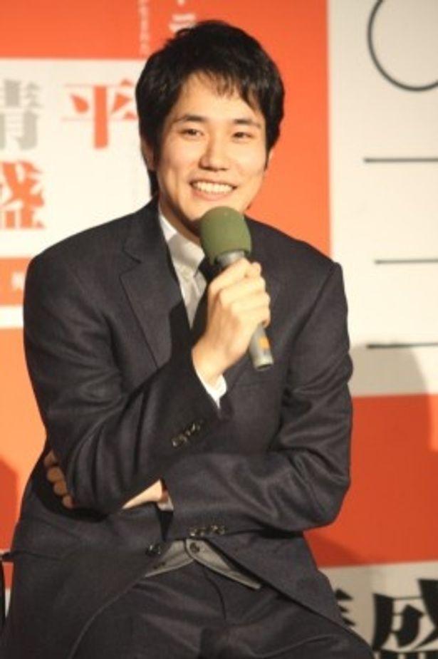 主演に抜てきされた松山は作品を通し「日本を元気にしたい」と意気込む