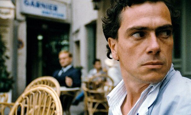 レックスを演じるジーン・ベルヴォーツはベルギー出身の演技派