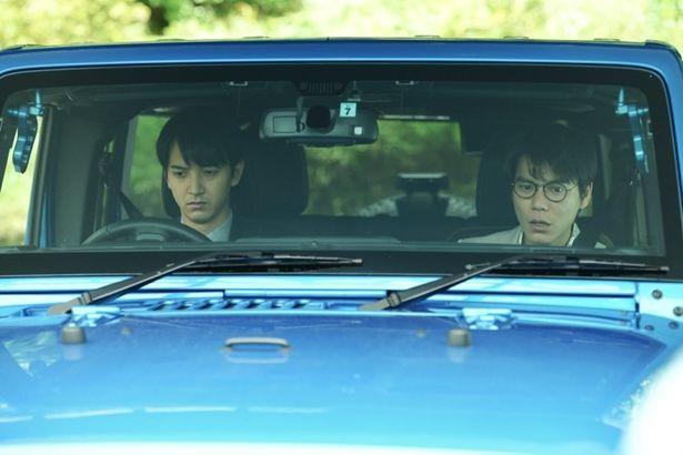 【写真を見る】オーディションで選ばれた新鋭、中山麻聖と石田法嗣が轢き逃げ犯を演じる