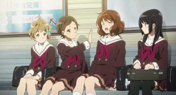 左から、緑輝、葉月、久美子、麗奈の新2年生4人組