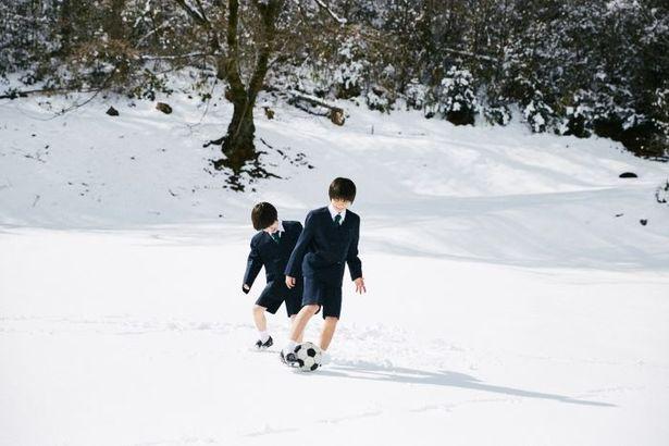 『僕はイエス様が嫌い』の舞台は、雪深い地方のミッション系の小学校