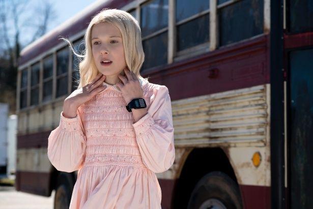 カツラとドレスで着飾ったりと『E.T.』オマージュがてんこ盛り!
