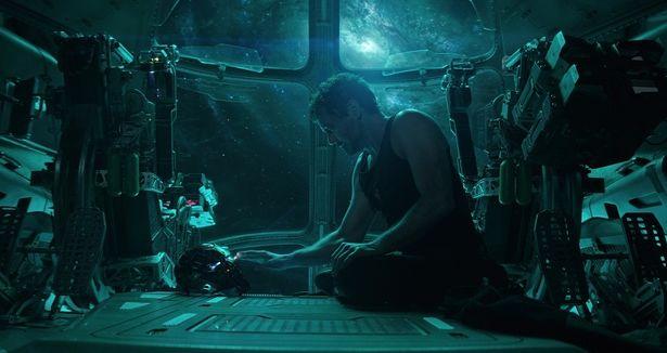 宇宙空間をさまようトニー・スタークの運命は?