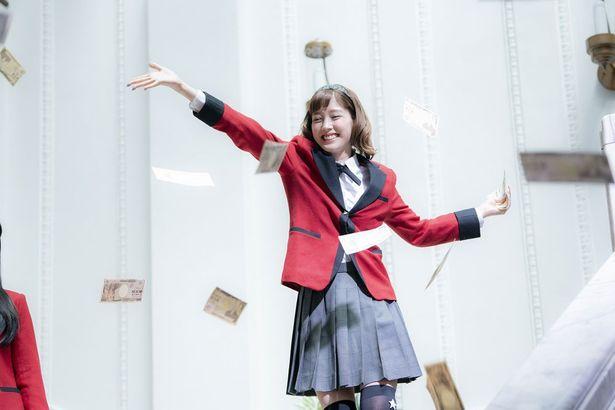 『映画 賭ケグルイ』では元生徒会役員で大企業の令嬢・皇伊月を演じる