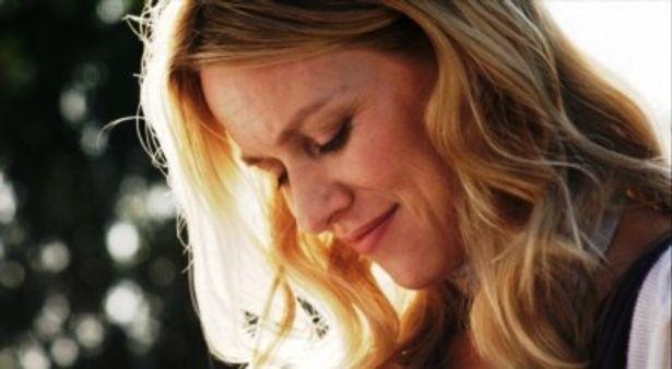 『愛する人』は2011年1月より全国順次公開