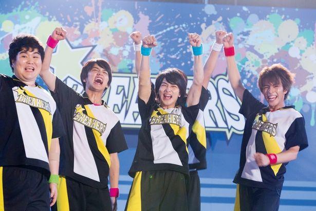 若手俳優らがガチで鍛え、互いを高め合っていく姿に感動!(『チア男子!!』)