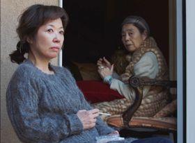 うつろな表情の女性詐欺師は、なにを思うのか…樹木希林企画作『エリカ38』から最新予告映像が到着