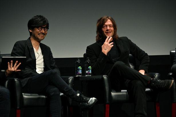トライベッカ・トークスに登壇したゲームデザイナーの小島秀夫と俳優のノーマン・リーダス