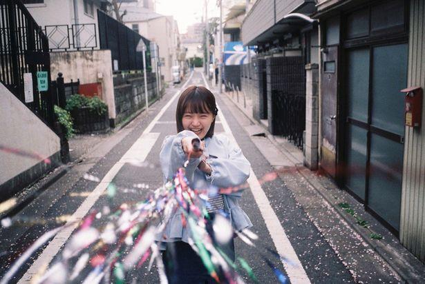尾崎さんの26歳の誕生日を祝して「尾崎由香のぴゅあっとムービー」特別編を公開!