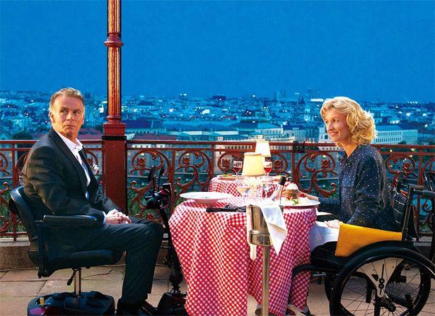 【写真を見る】フランスの人気コメディアン、フランク・デュボスクが監督・脚本・主演の3役を務める『パリ、嘘つきな恋』