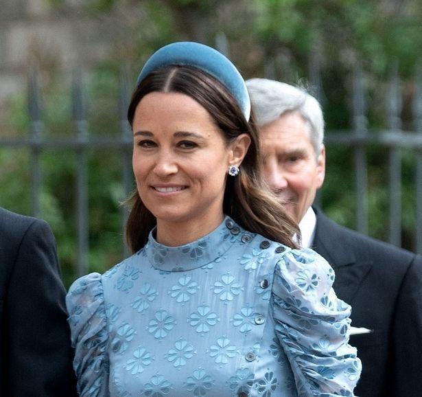 キャサリン妃妹ピッパの、挙式参列ドレス姿が好評