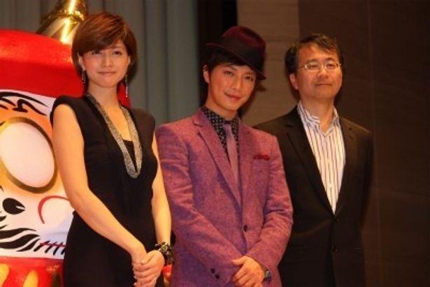 映画「ばかもの」の完成披露試写会に出席した内田有紀、成宮寛貴、金子修介監督(写真左から)