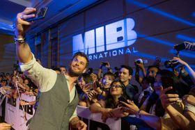 クリヘムが「とても親近感がある」バリでMIBファンと交流を深める!