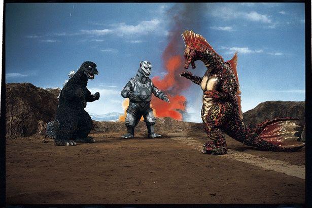 チタノザウルスの体長は60m、体重は3万t