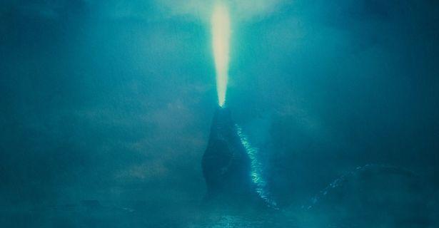放射熱線を空に向けて放つゴジラ