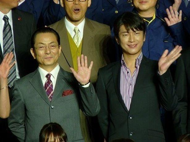 『相棒 劇場版II』レッドカーペットに登場した水谷豊と及川光博