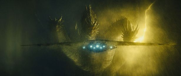 【写真を見る】キングギドラ、モスラ、ラドンも登場!4大怪獣の攻撃に、劇場が震撼する