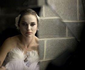 ナタリー・ポートマン主演『ブラック・スワン』がゴールデングローブ賞で主要4部門にノミネート