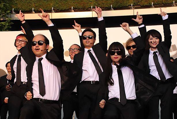 吉本坂46が主題歌を生披露!200人から歓声が上がった