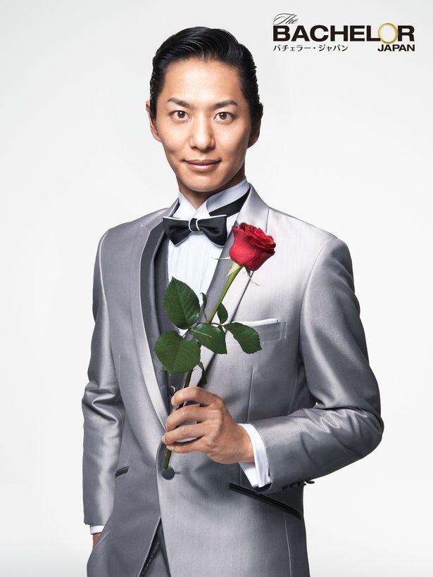 【写真を見る】シーズン3のバチェラーとなった青年実業家の友永真也はいったい誰を選ぶのか
