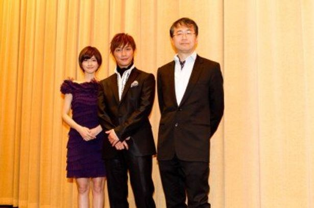 『ばかもの』初日舞台挨拶に登壇した、左から、内田有紀、成宮寛貴、金子修介監督