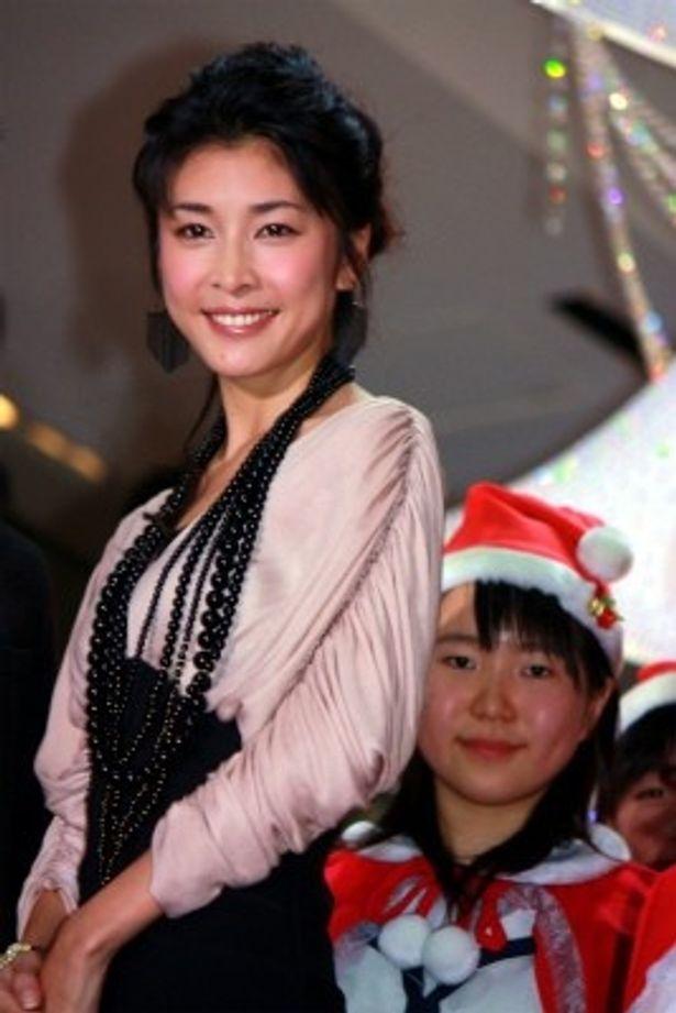 『僕と妻の1778の物語』のクリスマスイベントに登壇した竹内結子