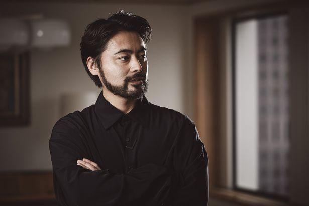 2025日間の密着取材で浮き彫りになる、俳優・山田孝之の苦悩と葛藤