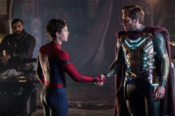 新たなヒーローミステリオはアイアンマンに代わりピーターを導く存在に?