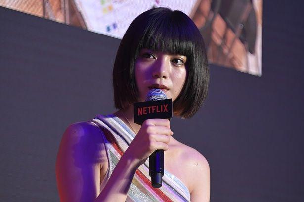 【写真を見る】池田エライザが肩出しのドレスでイベントに登壇!<写真17点>