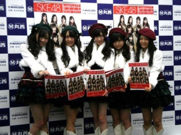 須田亜香里、木崎ゆりあ、大矢真那、平松可奈子、加藤るみ(写真左から)