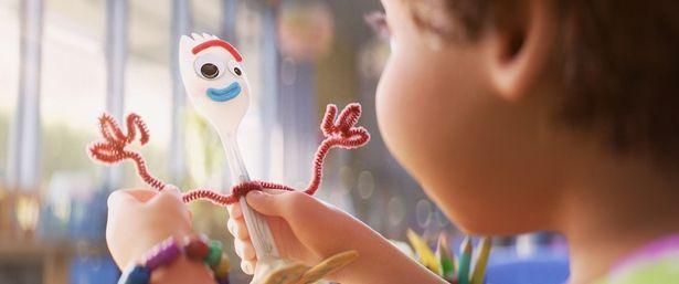 手作りおもちゃのフォーキーら『トイ・ストーリー4』の新キャラクターをチェック!