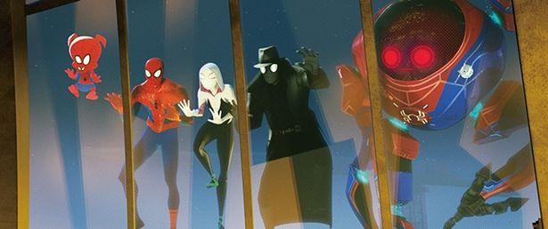 """『スパイダーマン:スパイダーバース』別次元から来たスパイダ ーマンたちにも""""貼り付き""""能力がある"""