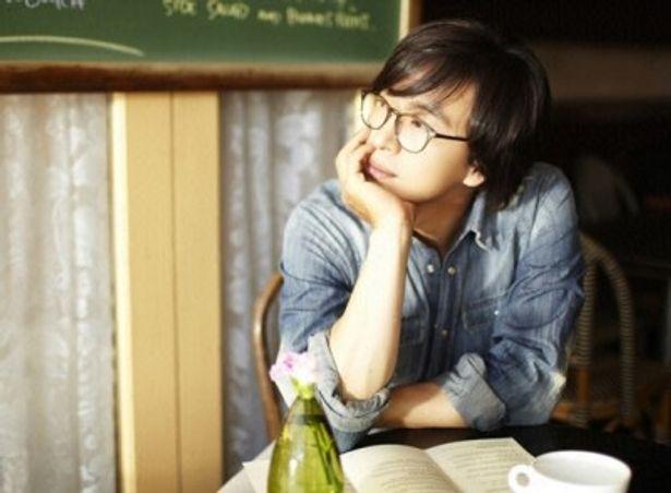 ドラマ「冬のソナタ」で日本で大ブレークを果たしたペ・ヨンジュン。手料理をふるまう姿も公開する