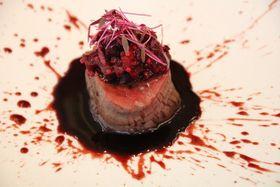 お値段1万円の絶品フルコース!禁断の美食が味わえる「喰種レストラン」で映画の世界観に没入<写真12点>