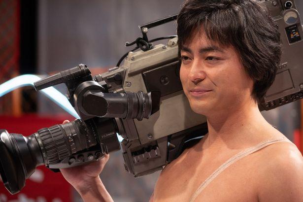 本編映像が初解禁となったNetflixオリジナルシリーズ『全裸監督』