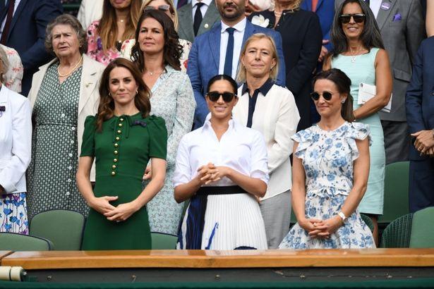 【写真を見る】キャサリン妃姉妹、メーガン妃の3ショットが実現!それぞれのテニス観戦ファッションは?
