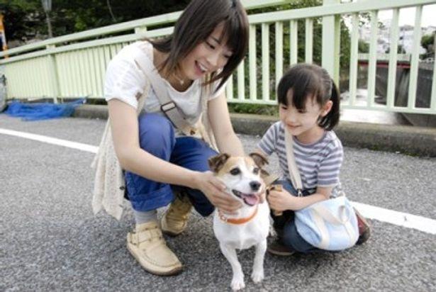 エピソードの1つ「バニラのかけら」に出演する芦田愛菜と北乃きい