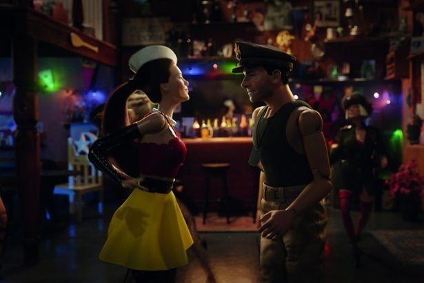 人形たちがダンスを踊ったりとイキイキとした姿を見せる
