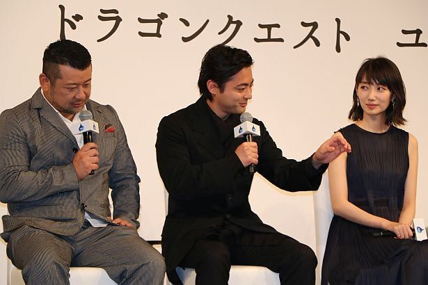 パパス役の山田は今回の声の演技に迷いがあったそう。「迷っていたのでそんなに上手くない。酷くはないけど絶賛されるほどでもない。ほどほどのパパス」と謙遜