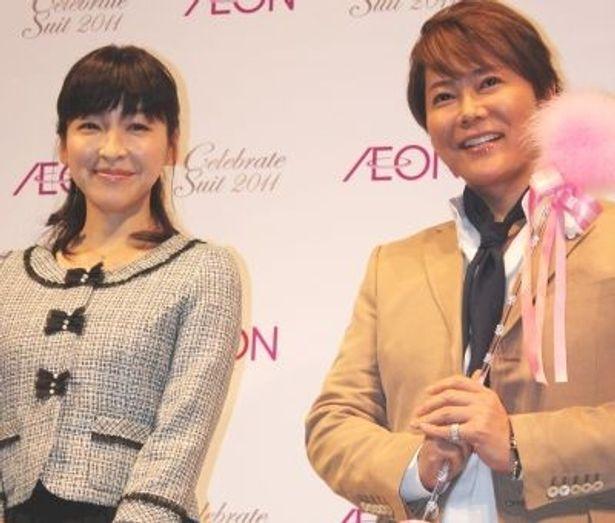 イオンの「セレブレイトスーツ2011」新作発表会に女優の麻生久美子さんと、ファッション&ビューティーのカリスマ・植松晃士さんが登場