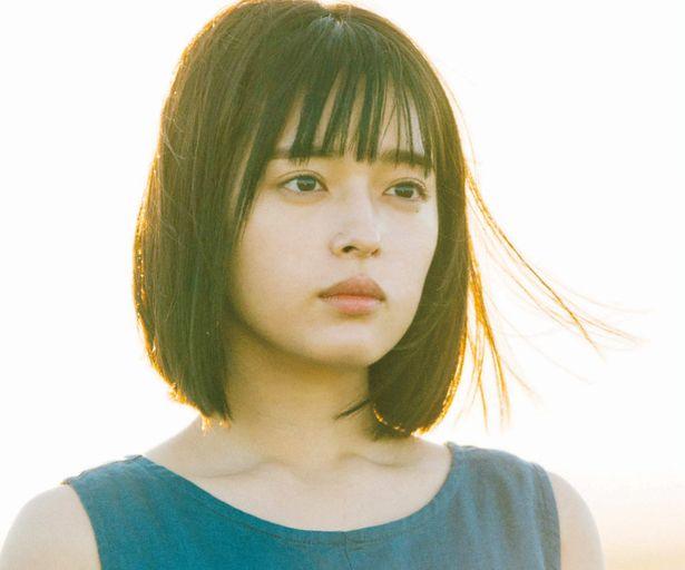 注目女優の矢作穂香が強さと透明感を感じさせる女子高生に…!