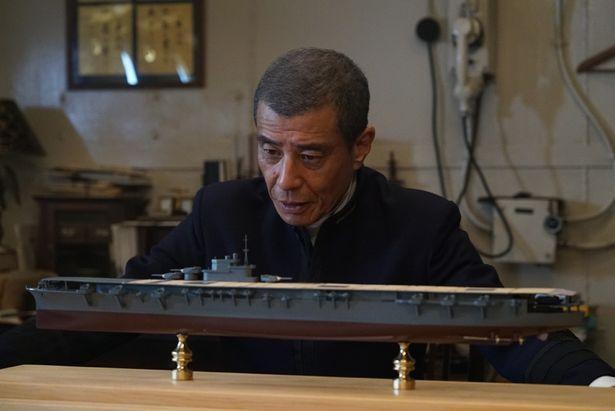 舘ひろし演じる海軍少将の山本五十六は建造反対派だが、思わずこの表情!
